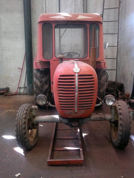 tractores estrechos de ocasión en Burgos