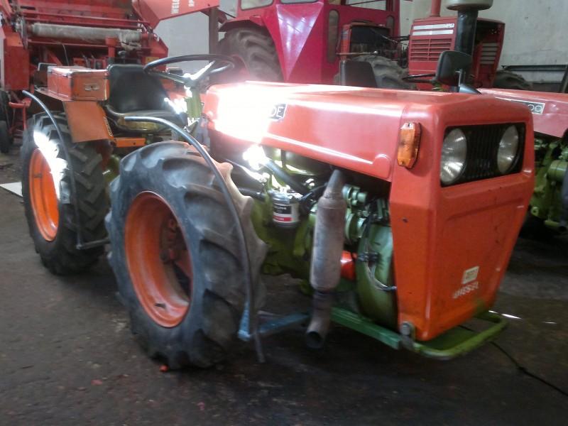 Mini tractor de ocasi n agria 8900 de talleres hijos de for Casetas de aperos de segunda mano