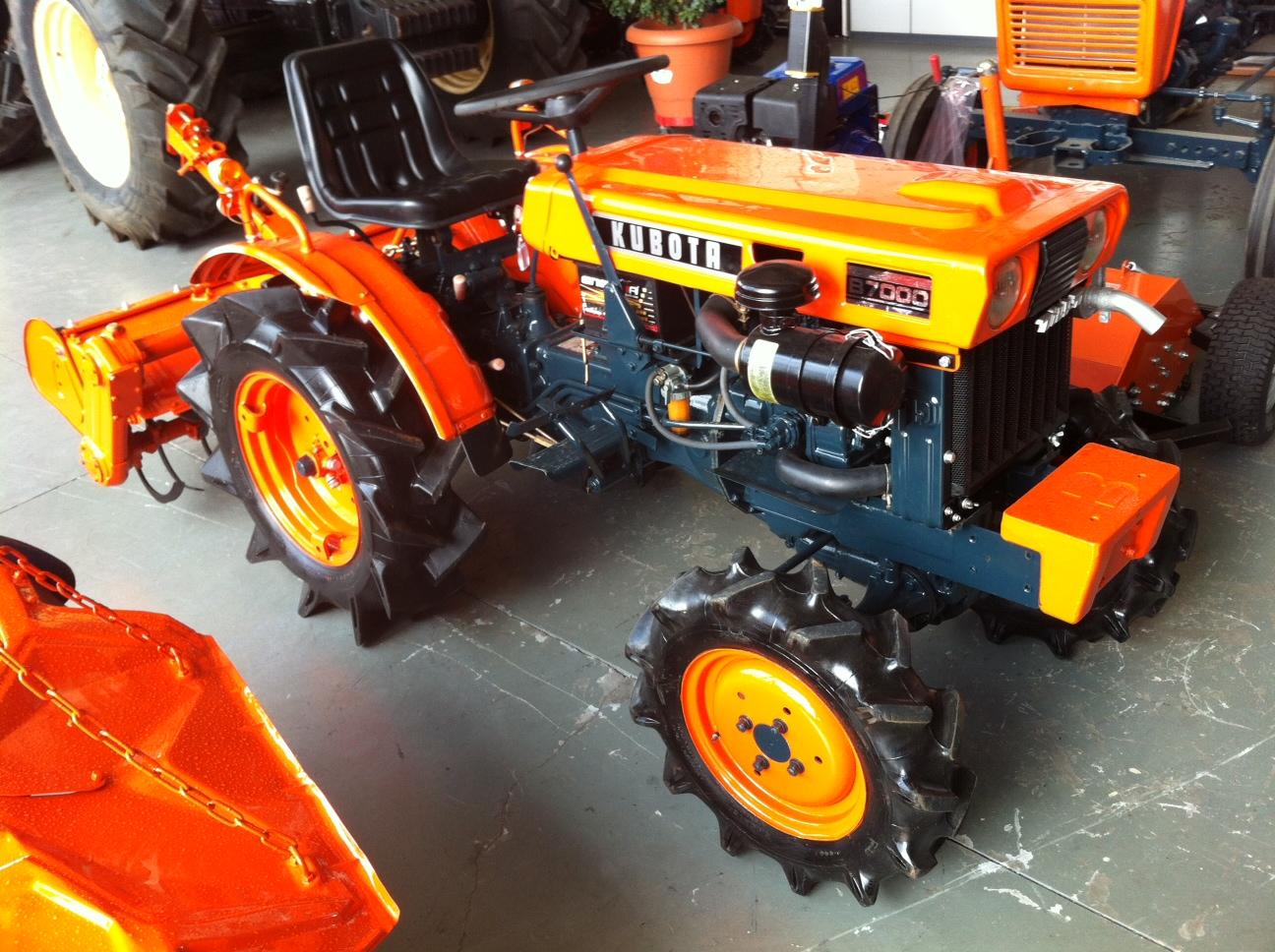 Mini tractor de ocasi n kubota b 7000 dt talleres hijos - Mesillas de segunda mano ...