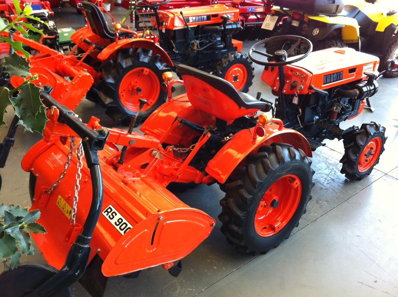 Mini tractor de ocasi n kubota b 5000 dt talleres hijos for Mini de segunda mano en sevilla