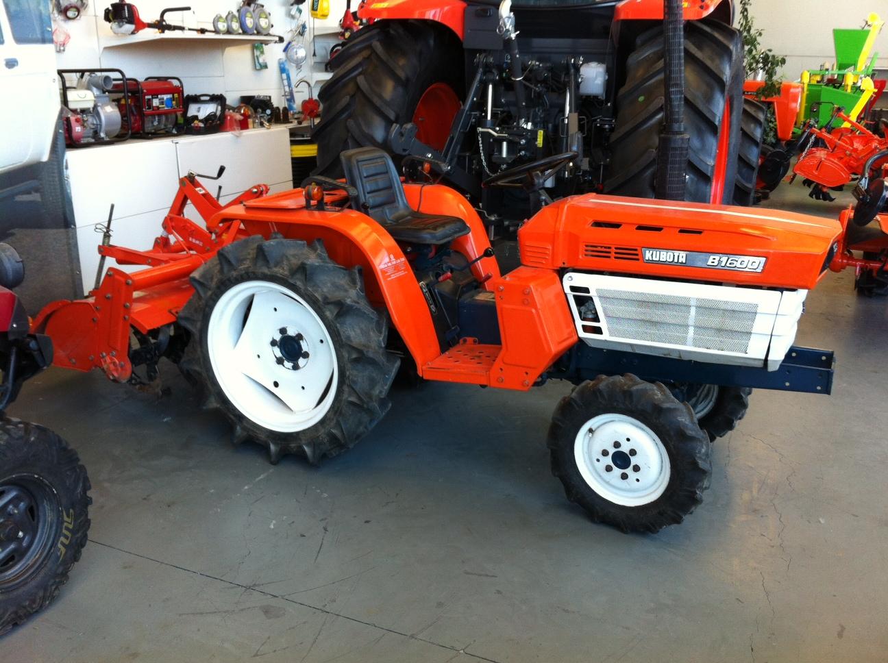 Mini tractor de ocasi n kubota b 1600 dt talleres hijos - Mesillas de segunda mano ...
